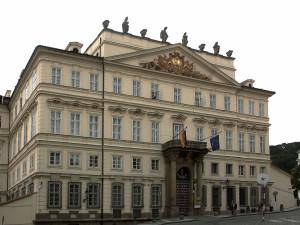 Palazzo Lobkowicz, sede dell'Ambasciata tedesca/ Lobkowicz Palace, seat of the German Embassy © Wikimedia
