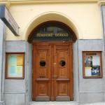 L'ingresso del Žižkovské Divadlo Járy Cimrmana, nel quartiere praghese di Žižkov / The entrance of the Žižkovské Divadlo Járy Cimrmana, in the Prague neighborhood of Žižkov