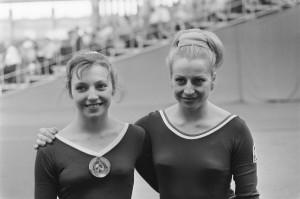 Věra Čáslavská con Natal'ja Kučinskaja / Věra Čáslavská with Natalia Kuchinskaya