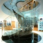 Eva Jiřičná's staircase at Joan & David Shoe Shop on New Bond Street in London © Kida