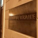 "La targa dedicata a Tycho Brahe sulla casa ""Al Grifone d'oro"" / The plate dedicated to Tycho Brahe on the house ""The Golden Griffon"""