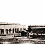 La fabbrica di Vysočany appena fondata nel 1896 / The factory in Vysočany just founded in 1896 © Wikipedia