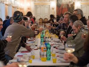 Il pranzo di Natale al Palazzo arcivescovile organizzato dai volontari di Sant'Egidio / Christmas lunch at the Archbishop's Palace organized by the volunteers of Sant'Egidio © Comunità Sant'Egidio