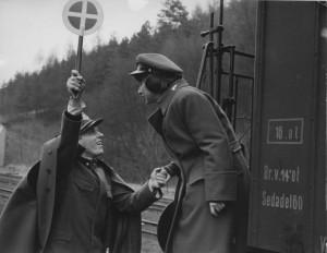 Treni strettamente sorvegliati / Closely observed trains